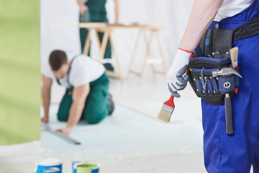 Malerarbeiten beim Auszug